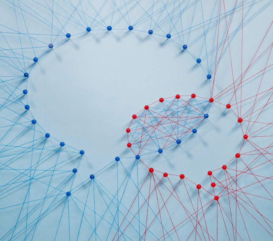 Bild: Fäden bilden zwei Sprechblasen