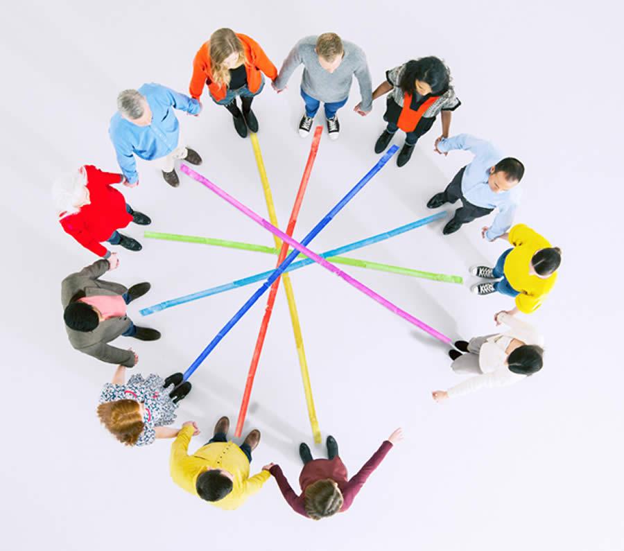 Bild: Gruppe im Kreis