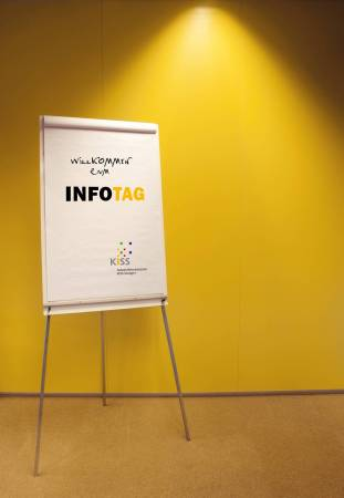 Bild: Flipchart mit Infotag-Beschriftung