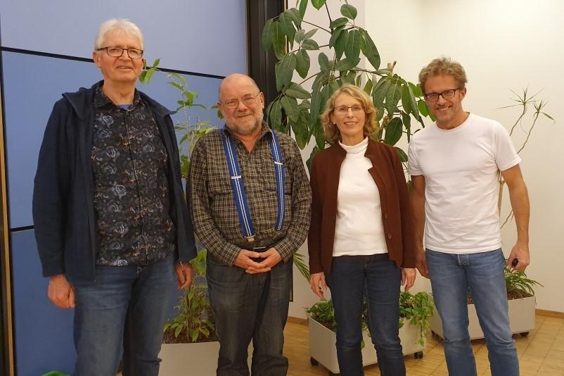Bild: drei Selbsthilfevertreter für den Vergabeausschuss und Frau Rutsch von KISS