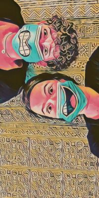 Bild: zwei Köpfe mit Masken, auf denen Münder sind